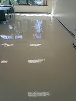 事務所 床洗浄ワックス 広島