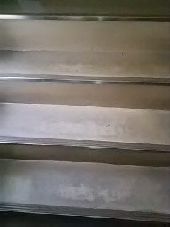 店舗ビル  階段部分 洗浄ワックス  広島市佐伯区五日市